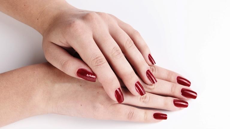 красивые руки 40летняя женщина