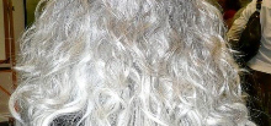 Уход за седыми волосами: что можно и нельзя делать?