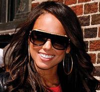 Алишия Кейс выбрала солнцезащитные очки
