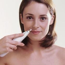 От чего у девушек появляются усы