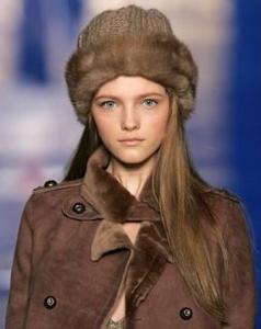 какую шапку носить с пальто-8