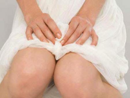 Как делать спринцевание содой при молочнице и подмываться для лечения кандидоза?