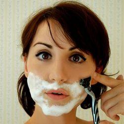 Нежелательные волосы на лице: народные и современные средства