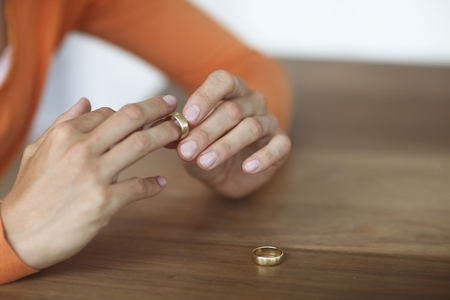 фамилия после развода