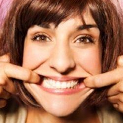 Шатаются зубы: что делать и как укрепить их?
