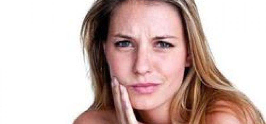 Десна отошла от зуба: что делать?