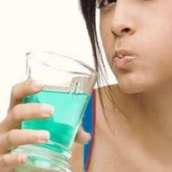 Опухла десна около зуба: что делать в домашних условиях?