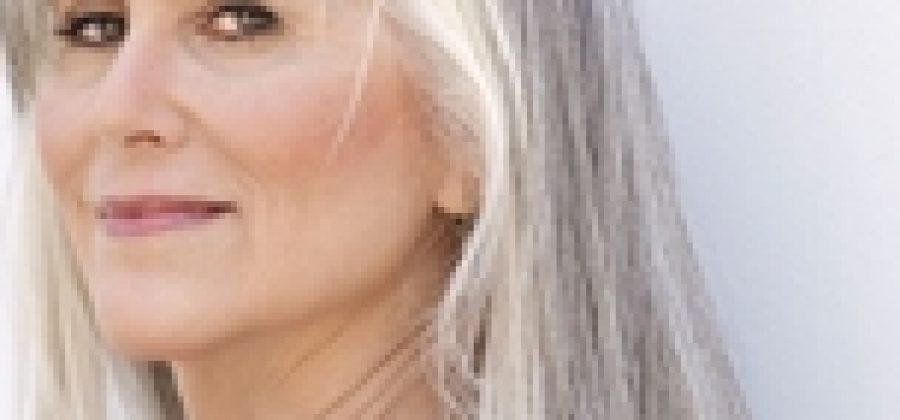 Как правильно ухаживать за седыми окрашенными волосами?