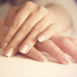 Как избавиться от морщин на руках в домашних условиях?