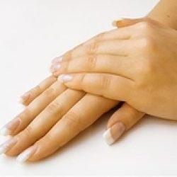 Как и зачем делают мезотерапию в кожу рук?