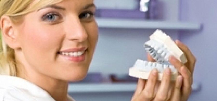 Какие съемные зубные протезы лучше выбрать?