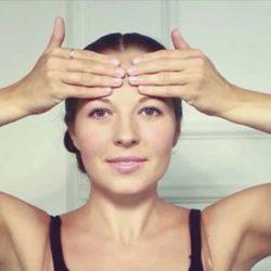 Как делать массаж лица «на 10 лет моложе»?