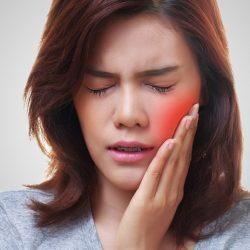 Чем полоскать рот, если сильно болит зуб?