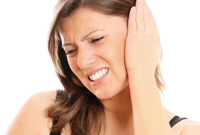 Что делать при сильной ушной боли
