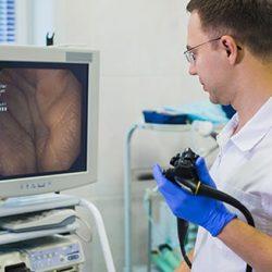 Как делают колоноскопию при геморрое — и всегда ли можно?
