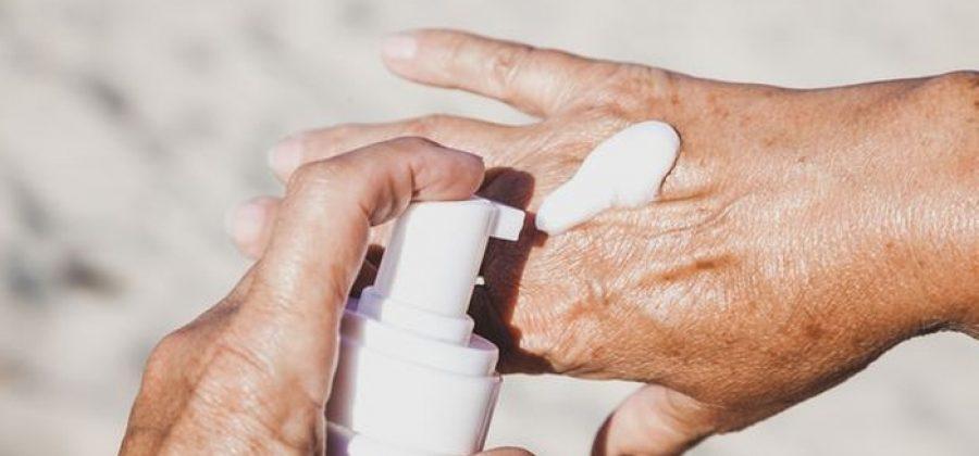 Как ухаживать за руками после 60 лет, чтобы их омолодить?