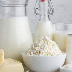 Можно ли пить молоко, если повышен холестерин?