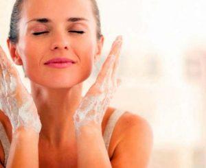 Как научиться делать мыльный массаж лица для омоложения?