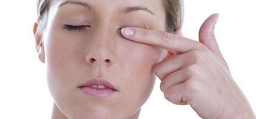Больно при движении глазами — почему и что делать?
