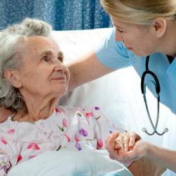 Какой прогноз, если у инсультника началась пневмония?