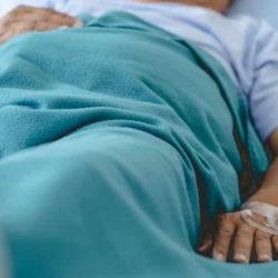 Опасна ли застойная пневмония у лежачих? Как её предотвратить?