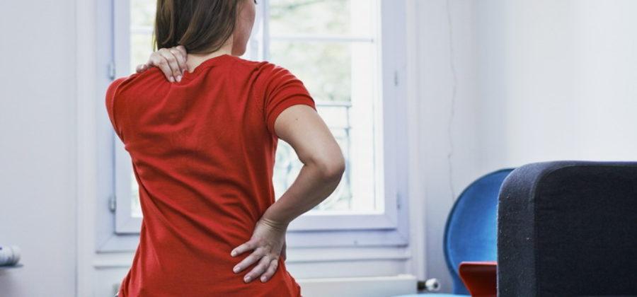 Продуло спину: полное руководство, что делать в домашних условиях