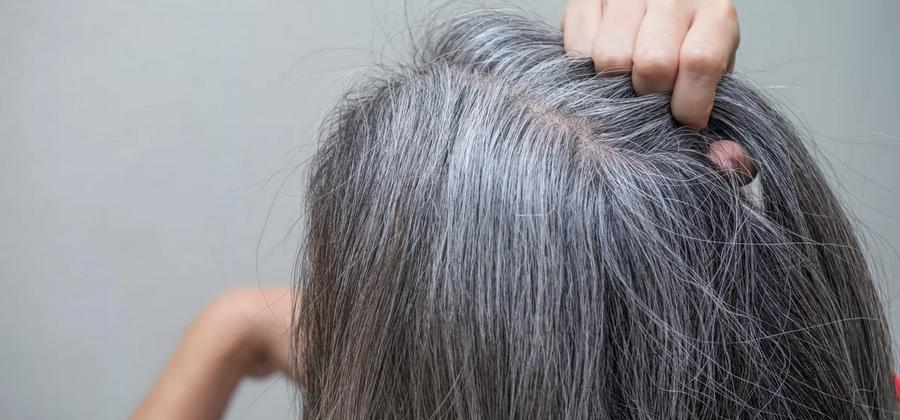 7 особенностей ухода за седыми волосами без окрашивания